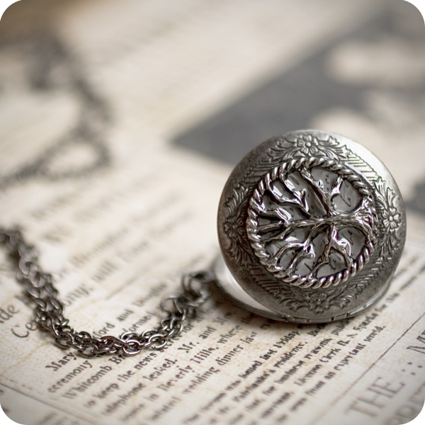 Secret Garden locket by BeautySpotCrafts