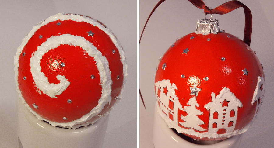 Bauble no. 5 by risaki-chan