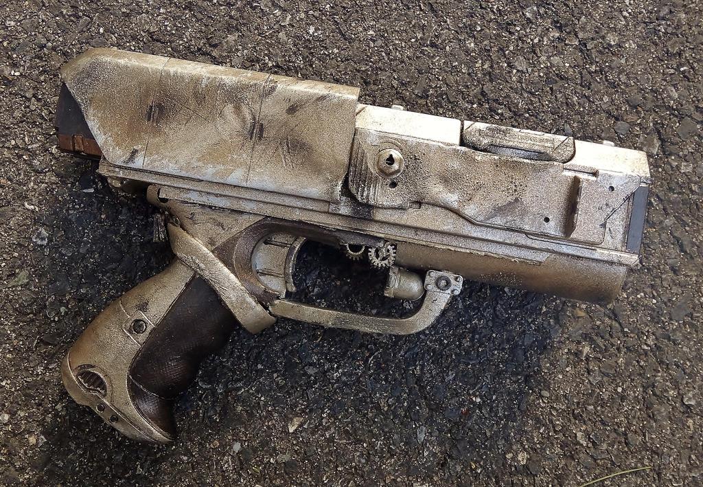MC-01 'Mercury' Lockslide Handgun [Complete] by LandgraveCustoms