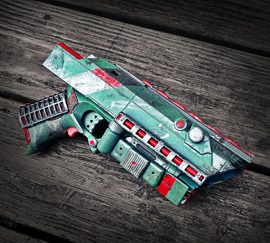 Psycho Nagasaki - Neutron Pulse Pistol by KingMakerCustoms