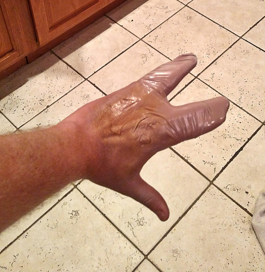 Simple latex alien hand prosthetic makeup by KingMakerCustoms