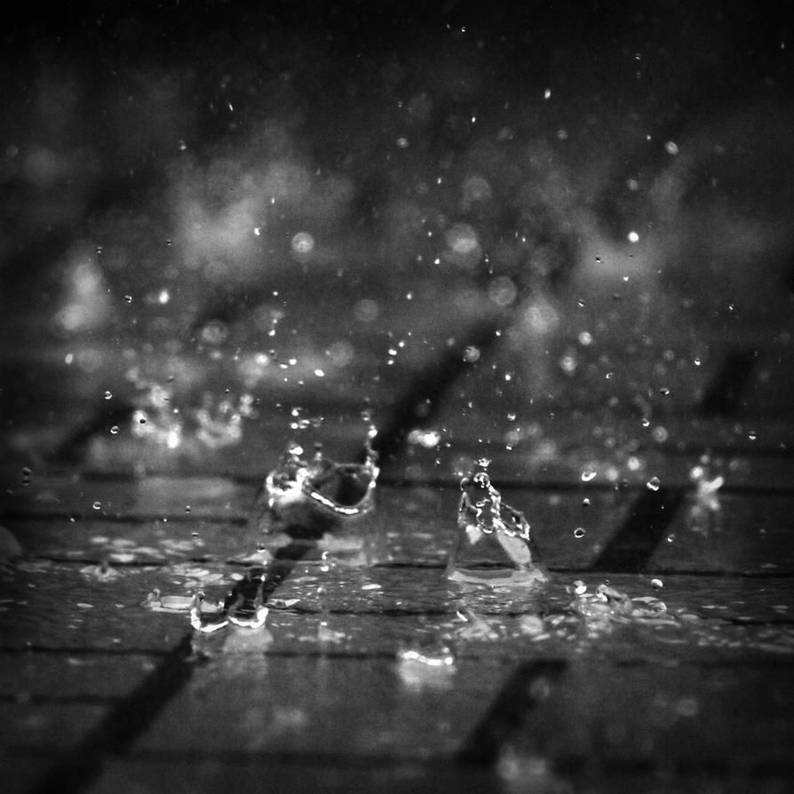 Dancing raindrop by PansaSunavee