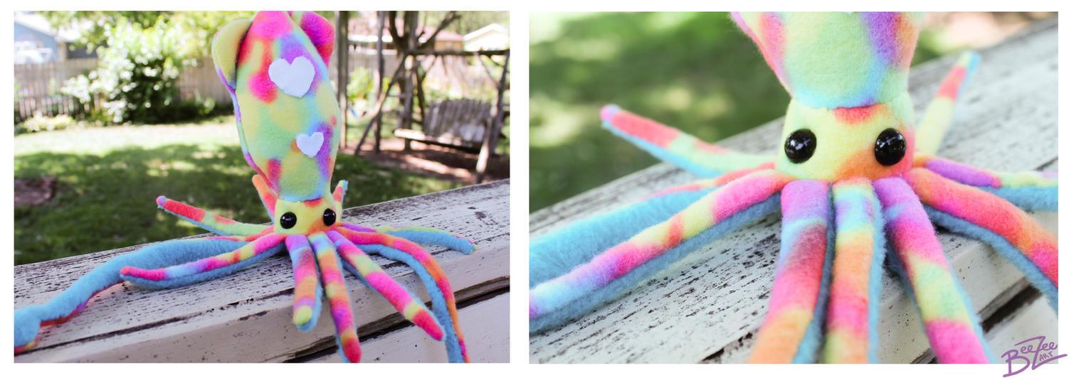 Rainbow Love Squid! by BeeZee-Art