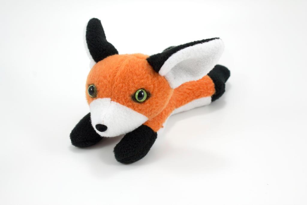 Beanie Fox 2 by BeeZee-Art