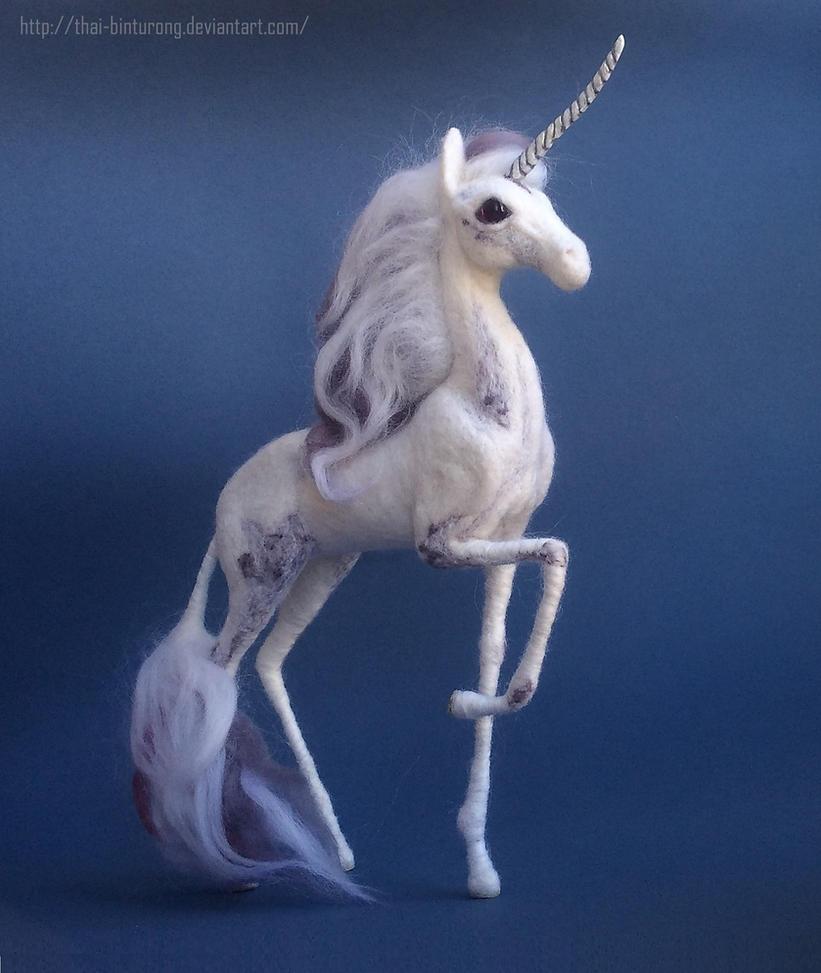 Cloudy lilac unicorn by thai-binturong