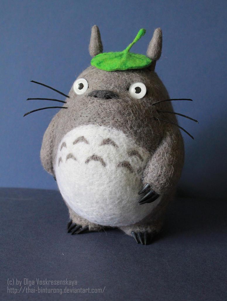 Totoro leaf hat by thai-binturong