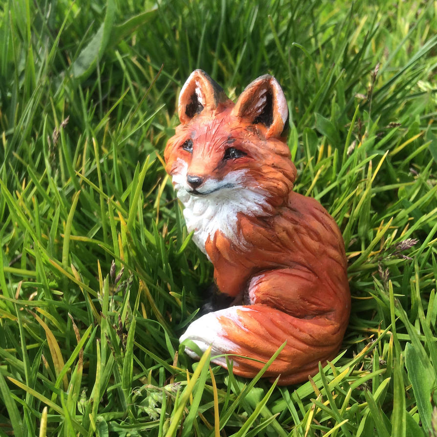 Red fox figurine by thai-binturong