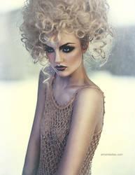Blondie by Amanda-Diaz