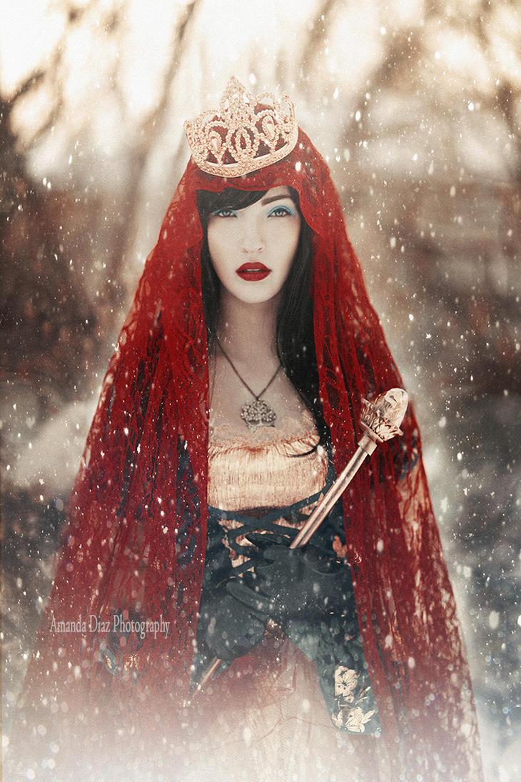 Snow White II by Amanda-Diaz