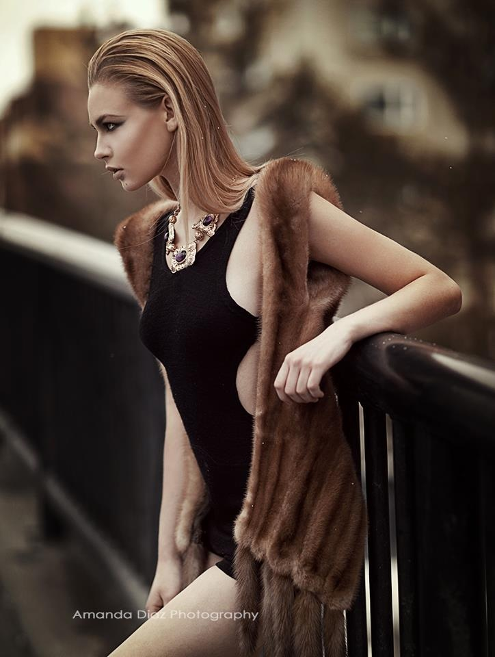 Sleek by Amanda-Diaz