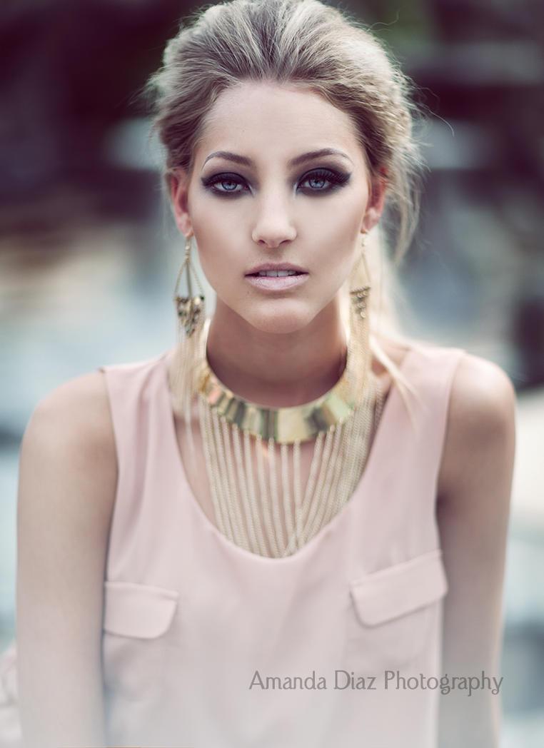 Hayley by Amanda-Diaz