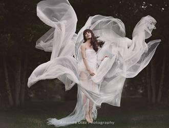 White Breeze by Amanda-Diaz