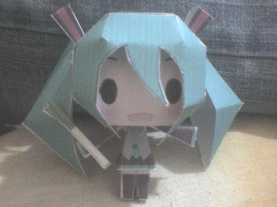 Chibi Miku papercraft by daigospencer