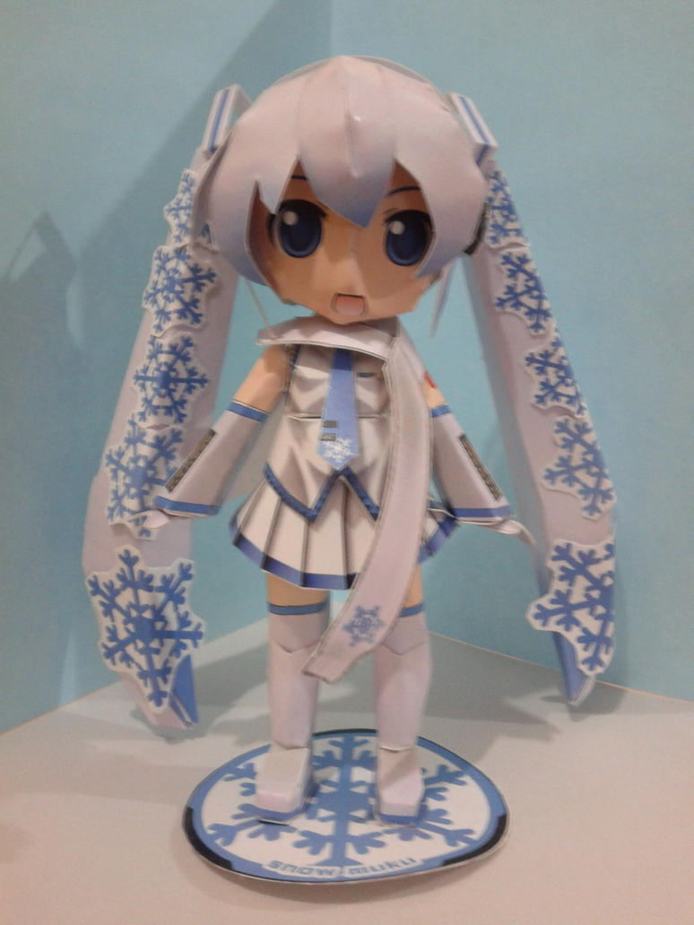 Snow Miku papercraft by daigospencer