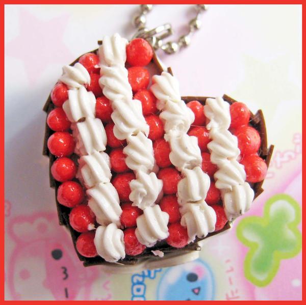 Strawberry - Cream Heart Cake by cherryboop