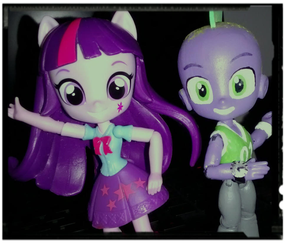 Twilight and Spike minis by ArtKing3000