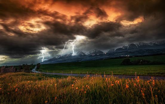 Lightning in front of thunder Ta3