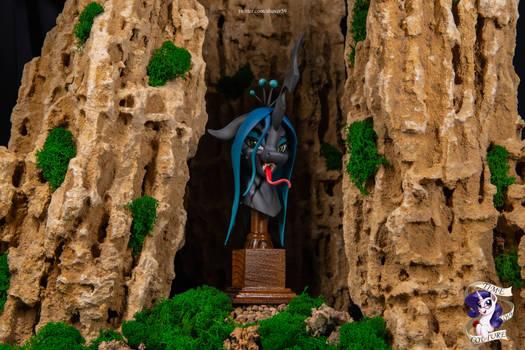 Queen Chrysalis bust