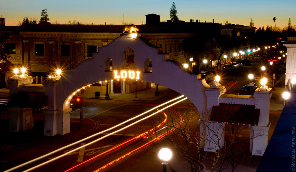 Lodi Arch - Light Trails by 0PT1C5