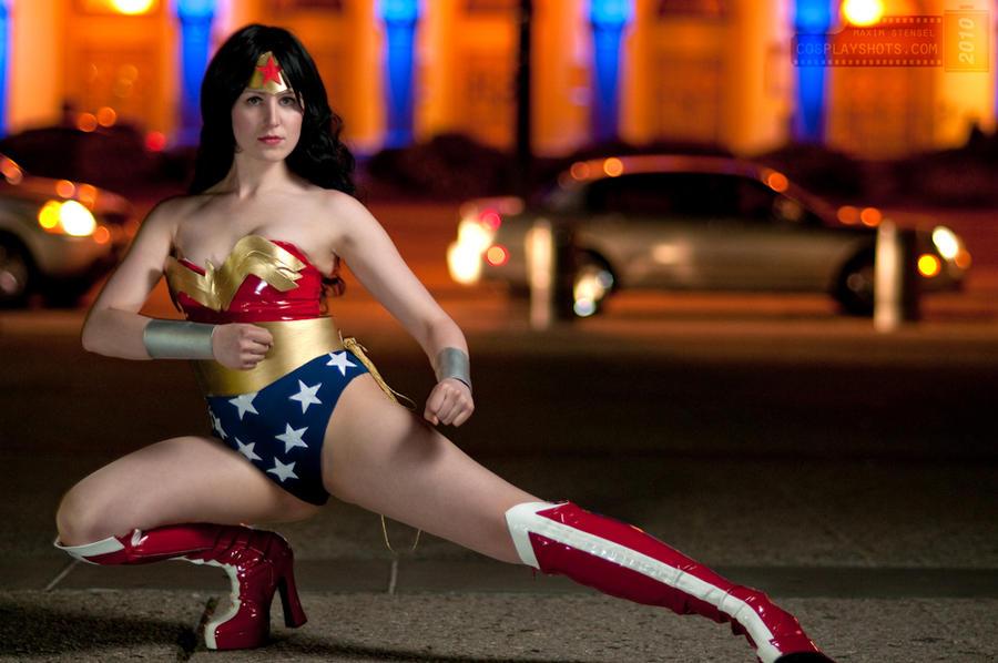 Wonder Woman 1 by cosplayshots