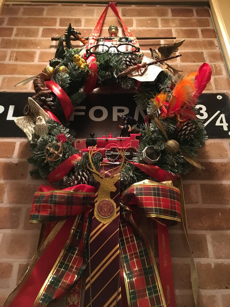 Harry Potter Christmas wreath by Elohim99