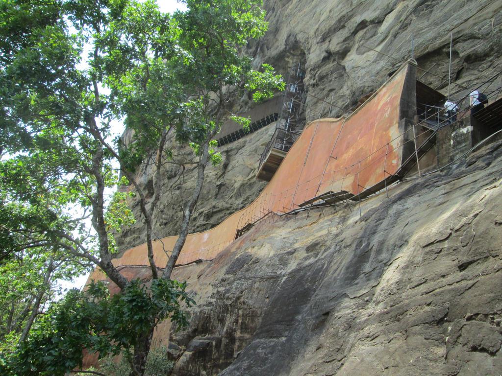 Sigiriya Mirror Wall by aliasjjj