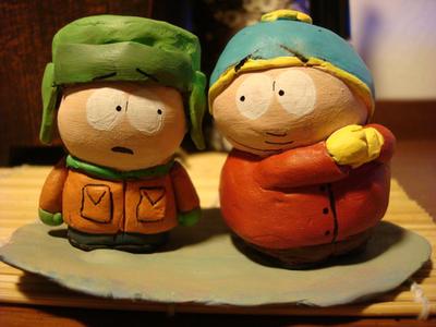 Cartman and Kyle figurine by thearmsofthesamesea