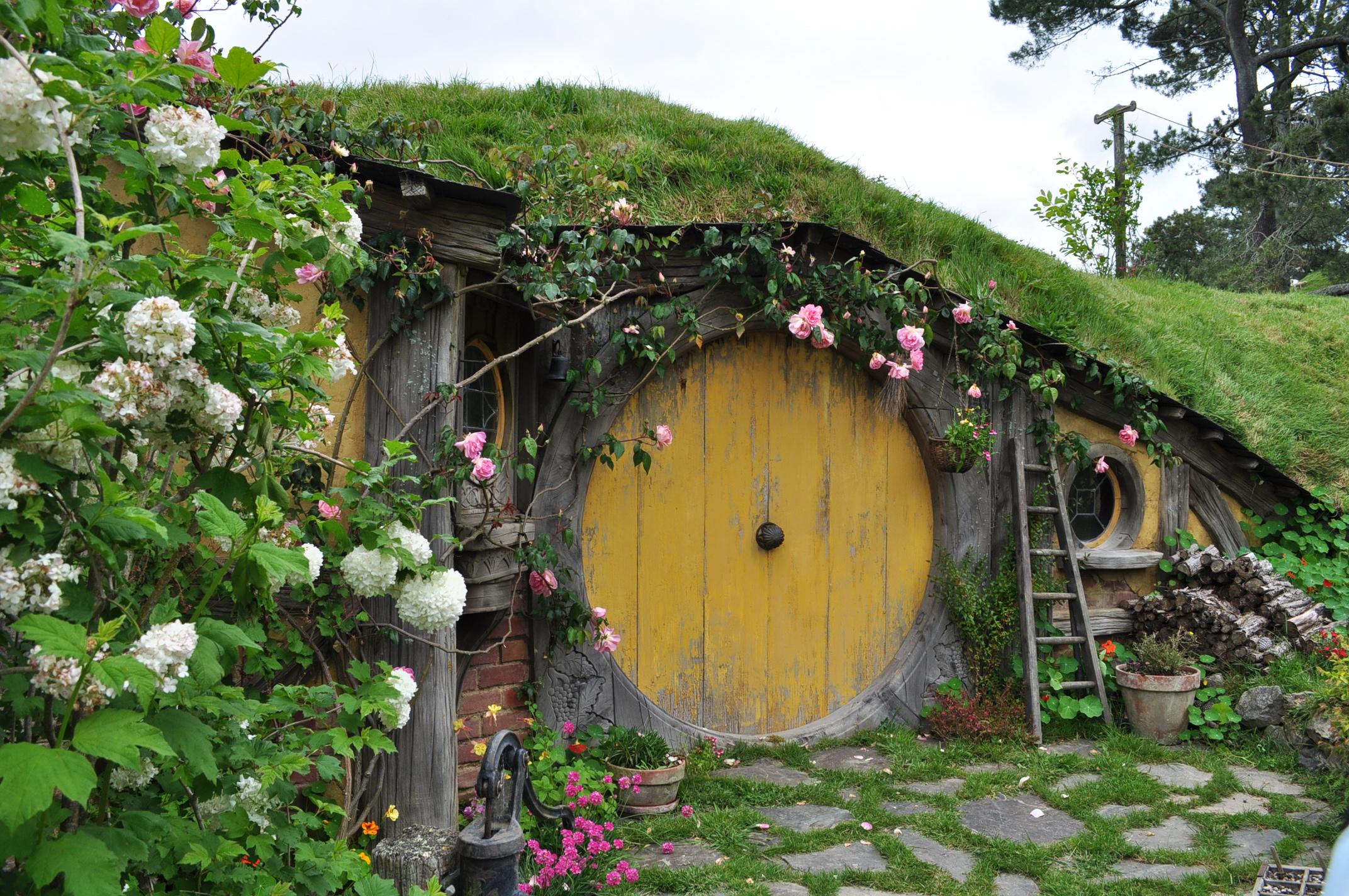 Sam 39 S Hobbit Hole By Irissiel On Deviantart