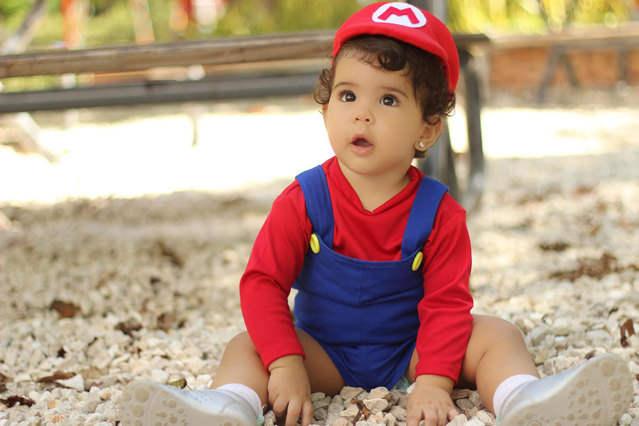 baby Mario Cosplay by carolinaangulo