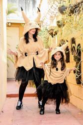 Mimikyu Cosplay - My daughter and i :3 by caroangulito