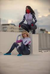 spider Gwen Enji nigth and Silk Caroangulito