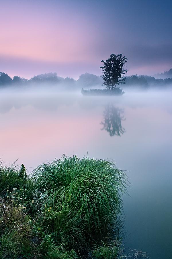 Floating on the Mirror II. by JindrichLisy