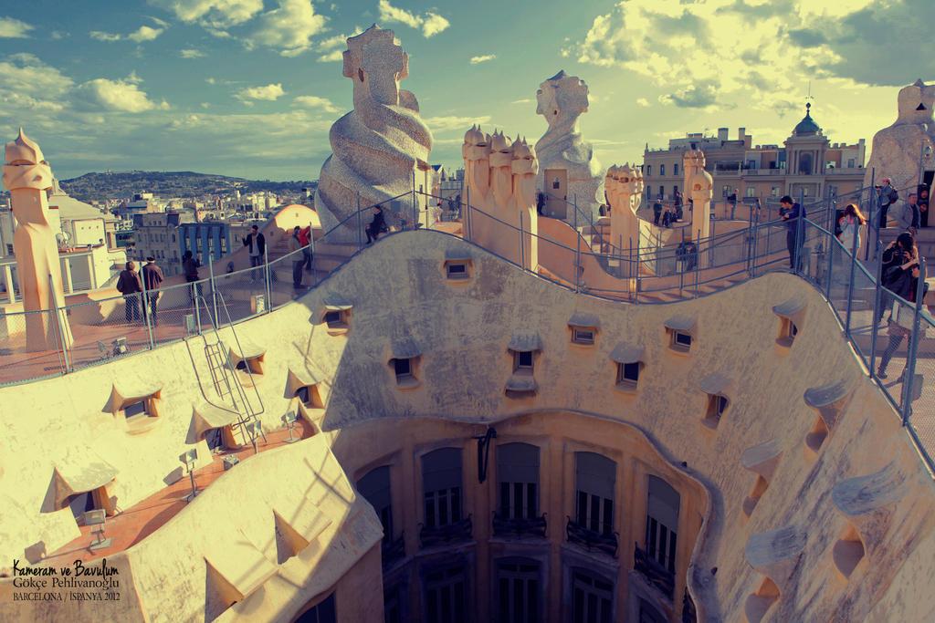 Barcelona - La Pedrera by Anahita