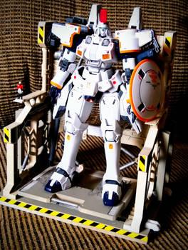 Gundam Tallgeese 1 model kit and base