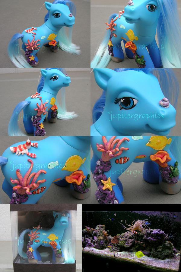 Aqua the Aquarium pony by jupiternwndrlnd