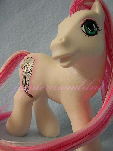 Quill :: Persona Pony by jupiternwndrlnd