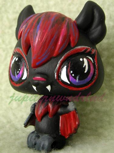 Vampire Bat by jupiternwndrlnd