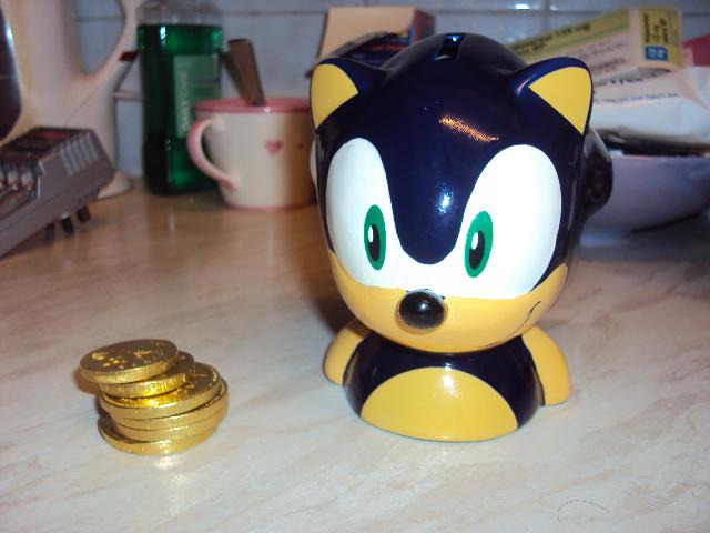 Sonic The Hedgehog Money Bank by RedDevilDazzy2007