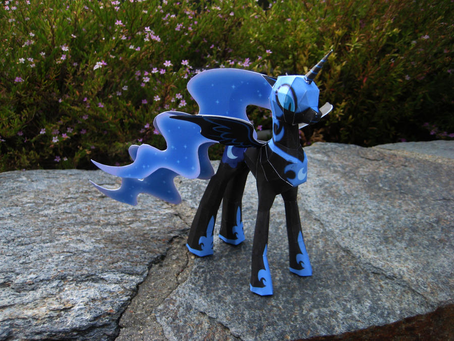 Nightmare Moon Papercraft by CybrBanana