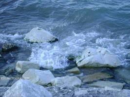 crashing waves by KailaDarling