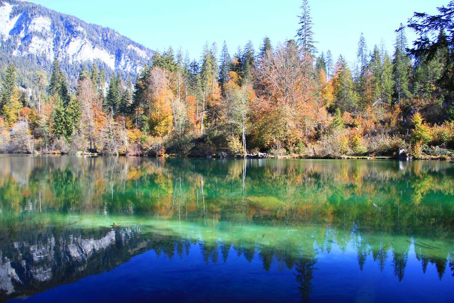 Autumn at Lake Cresta by LukasB86