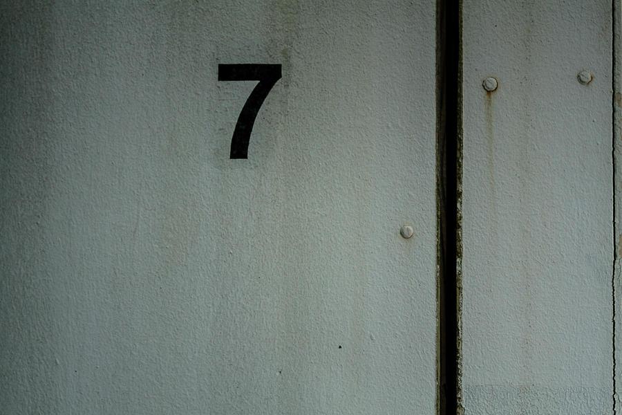 7 by iluvar