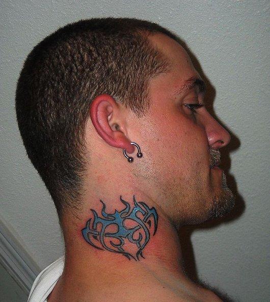 Фото тату на шее мужская