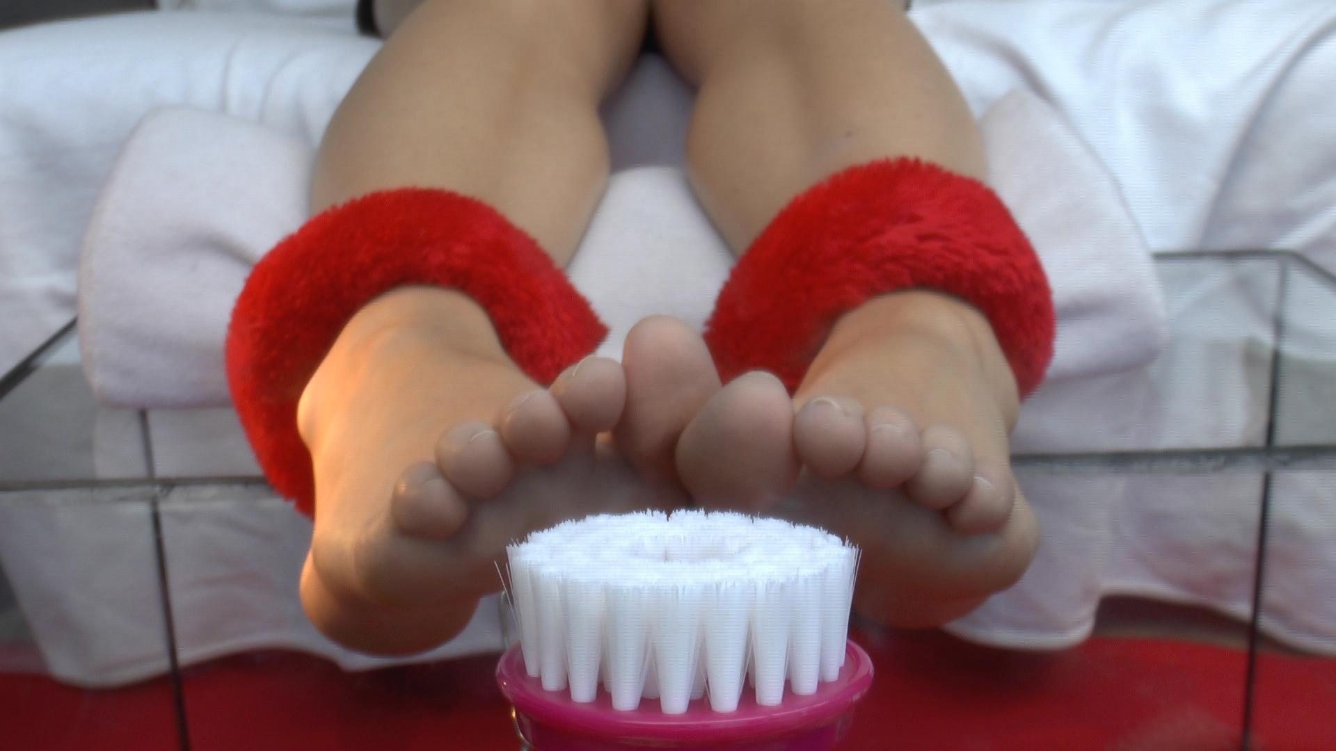 foot tickle machine