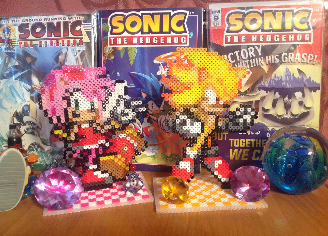 Perler Bead Amy Rose And Super Sonic By Hinata70756 On Deviantart