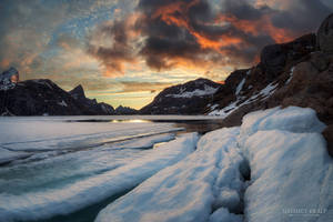 Burning clouds and the melting ice by m-eralp