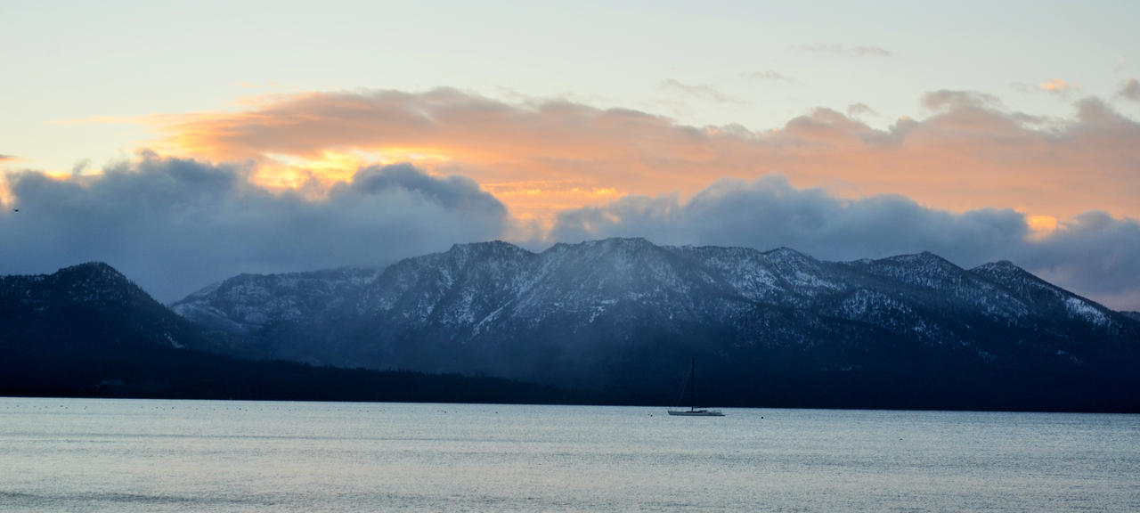 South Lake Tahoe - Mt's, Sun, and Snow by Azureblaze