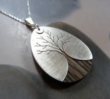 Tree on wood by Kreagora