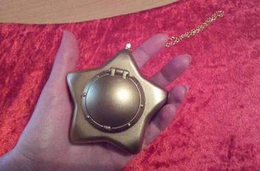 Sailor Moon Star Locket Replica 03