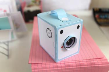 Papercraft paper camera design